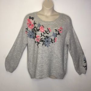 L.O.G.G. gray pullover sweater with embroidery